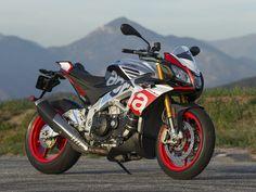 2016 Aprilia Tuono V4 1100 Factory, sportbike