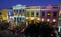Casario histórico na Rua Dragão do Mar em Fortaleza (CE)