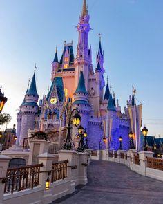Disney Park Pictures ~M Disney Cute, Disney Babys, Disney World Castle, Walt Disney World, Disney Land, Disney Castles, Disney Vacations, Disney Trips, Disney Movies