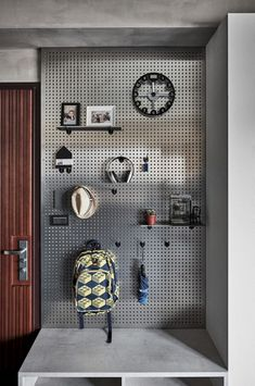 37 Astonishing Pegboard Design Ideas For All Your Needs To Try Asap - Pegboard is a great material for keeping tools, accessories, gadgets and other supplies handy and well-organized. Because you can customize a pegboard. Industrial Design Furniture, Vintage Industrial Furniture, Industrial Interiors, Industrial Bedroom Decor, Furniture Design, Interior Livingroom, Industrial Bathroom, Vintage Metal, Industrial Apartment