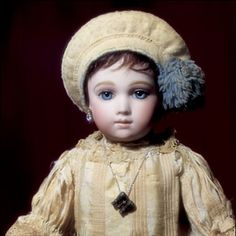 Best of the Best : Bébé Thuillier. Doll Museum, Indian Dolls, Half Dolls, Dollhouse Dolls, Dolls Dolls, Bisque Doll, Doll Maker, Antique Toys, Vintage Dolls