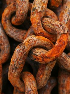 Texture: Links by WHO 2003 - weathered, architectural, wrought iron, industrial, close up.the close up works well with the object the texture of the old rusty chain makes it look great Texture Photography, Macro Photography, Pattern Photography, People Photography, Abstract Photography, Photography Portfolio, Foto Macro, Growth And Decay, Peeling Paint