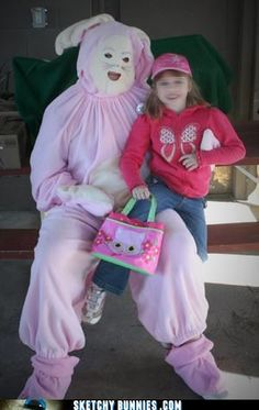 If the Easter Bunny mask just isn't creepy enough, you can always craft a better one from a paper plate. Real Easter Bunny, Easter Bunny Pictures, Happy Easter, Bunny Pics, Snow Bunnies, Funny Bunnies, Stranger Things Creature, Here Comes Peter Cottontail, Creepy Monster