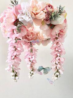 47 Trendy Ideas for baby girl pink nursery flower mobile Pink Mobile, Flower Mobile, Mobile Baby, Butterfly Mobile, Baby Mobiles, Nursery Chandelier, Flower Chandelier, Butterfly Nursery, Flower Nursery