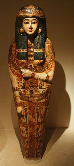 Sarcophagus cover of a woman, chantress of Amun, 21st dynasty