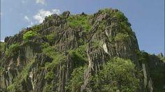 6時から、ベトナムの大渓谷『チャンアンの景観』。いま世界遺産の数は1031…その中で自然と文化2つの価値をもつ<複合遺産>は、わずか32件だけ。ここは数少ない複合遺産です!カルスト地形の洞窟に、数万年前からヒトが暮らしてきました。