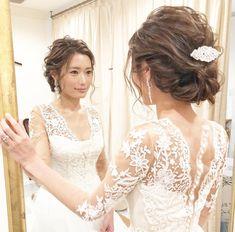 【結婚式】花嫁の髪型、2019最新スタイル特集!話題のウェディングヘアアレンジ100選 Wedding Hairstyles For Long Hair, Bride Hairstyles, Wedding Dress Chiffon, Wedding Gowns, December Wedding Dresses, Fancy Skirts, Plain Dress, Bridal Hair, Stylists