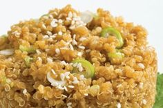 Teriyaki Quinoa: This dish is hot and satisfying, with a sweet, salty, garlicky essence that infuses flavour into the quinoa without overpowering it. Veggie Recipes, Whole Food Recipes, Vegetarian Recipes, Healthy Recipes, Vegetarian Diets, Dinner Recipes, Fodmap, Healthy Cooking, Cooking Recipes