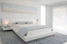 Eighteen Stylish Minimalist Bed Room Design Suggestions - http://www.stylesous.com/eighteen-stylish-minimalist-bed-room-design-suggestions.html