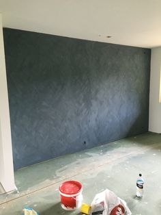 Kalkmaling fra Jotun. St Pauls Blue på loftstua! Room Colors, Paint Colors, Colours, St Pauls Blue, Easy Home Decor, Bedroom Inspo, Comfort Zone, My Room, Jotun Lady