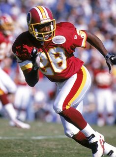 Darrell Green -Fastest Man in the NFL too many times to count Redskins Fans, Redskins Football, Nfl Football Players, Football Is Life, Football Helmets, Redskins Pictures, College Football Recruiting, Nfl History, Sports Stars