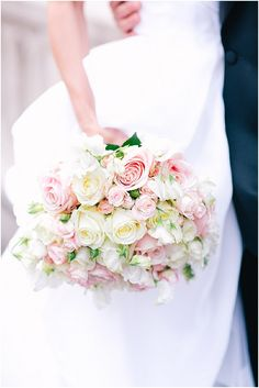 Romantic bridal bouquet  | Image by One and Only Paris Photography | Read more http://www.frenchweddingstyle.com/second-wedding-in-paris-hotel-crillon/