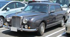 Mitsuoka Galue gen. 1 (based on Nissan Crew)