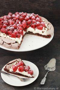 Chocolade Pavlova Baking Recipes, Cake Recipes, Dessert Recipes, Cupcakes, Cupcake Cakes, Delicious Desserts, Yummy Food, Happy Foods, Kakao