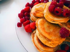 Traditional American Pancakes // Read more on blog: https://crazypancakelady.com/2016/11/28/american-pancake-dream/