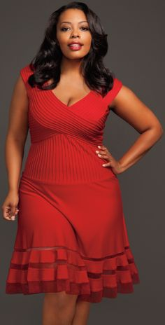plus size. fashion. Nice to see a flared skirt instead of a tight pencil bottom. cute and flattering.