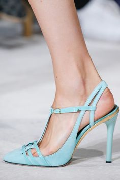 Oscar de la Renta - New York Fashion Week / Spring 2016 #aqua #shoes #heels