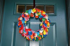 SimpleJoys: Balloon Wreath    What a great birthday party decoration!!