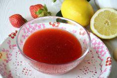 La coulis di fragole è la più famosa delle coulis dolci, è una salsa a base di frutta e zucchero che serve per guarnire o accompagnare gelati, Italian Desserts, Food To Make, Salsa, Pudding, Recipes, Grout, Custard Pudding, Recipies, Puddings