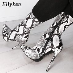80ac5d928 US $21.18 44% OFF|Eilyken 2019 New Women Zipper Boots Snake Print Ankle  Boots High heels Fashion Pointed toe Ladies Sexy shoes Chelsea Boots -in Ankle  Boots ...