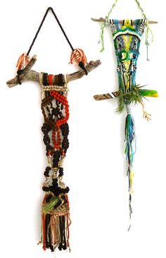 Macrame pieces from Design*Sponge Macrame Art, Macrame Knots, Driftwood Macrame, Driftwood Jewelry, Paracord Projects, Macrame Projects, Macrame Tutorial, Diy Décoration, String Art
