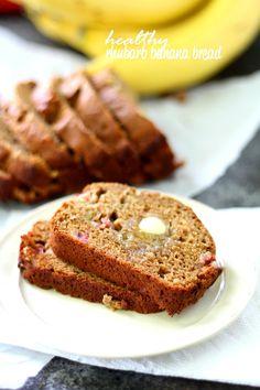 Healthy Baking, Healthy Desserts, Healthy Nutrition, Healthy Drinks, Delicious Desserts, Rhubarb Bread, Rhubarb Banana Recipe, Rhubarb Recipes No Sugar, Healthy Rhubarb Recipes