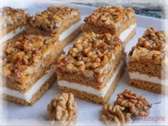 Honig-Nuss-Schnitten – Himmel im Mund Honey Nut Slices – Sky in the mouth Cupcake Recipes, Cookie Recipes, Snack Recipes, Easy Smoothie Recipes, Easy Smoothies, Gateaux Cake, Pecan Recipes, Pumpkin Spice Cupcakes, Cake Toppings