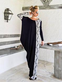 NEW 2017.... Black & Print Asymmetric Long Sleeve Maxi Dress