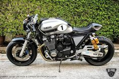 Yamaha XJR1300 by the Sports Custom