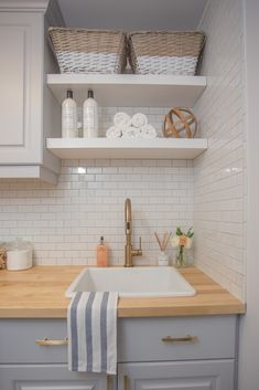 remarkable laundry room layout ideas for the perfect home drop zones page 2 Kitchen Decor, Laundry Room Makeover, Modern Laundry Rooms, Decor, Laundry Mud Room, Room Layout, Laundry Room Layouts, Wooden Countertops, Home Decor