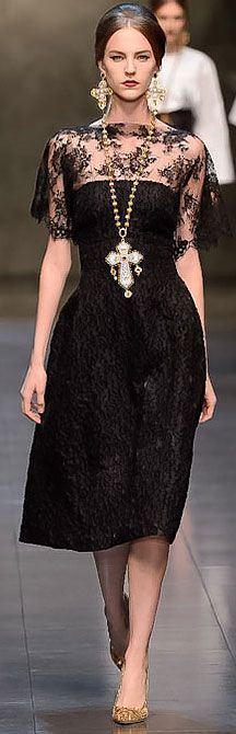 Dolce & Gabbana F/W 2013 RTW Milan FW  would be much better with out the necklace!