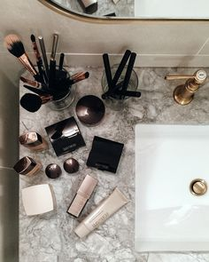 Getting Ready for the Harper's Bazaar Icons Event with Laura Mercier | Song of…