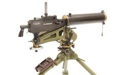 The Browning Model 1917 Water-Cooled Machine Gun Right side on an tripod. Note the leather box attached to the rear leg containing spare parts and take-down tools. Light Machine Gun, Heavy Machine Gun, War Machine, Machine Guns, Steampunk Weapons, Heavy And Light, Gun Rights, Leather Box, Military Weapons