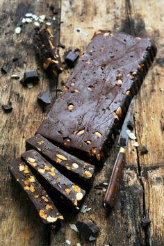 Fudge au chocolat et amandes en quatre ingrédients sinon rien