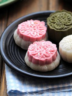 If you haven't heard of mooncakes, you're seriously missing out. Today is the start of the Mid-Autumn Festival, which means its time to break out the delicious, sweet, sticky, red bean stuffed desserts. Make your own version of these traditional treats with China Sichuan Food's homemade recipe! Find it on the SideChef app.