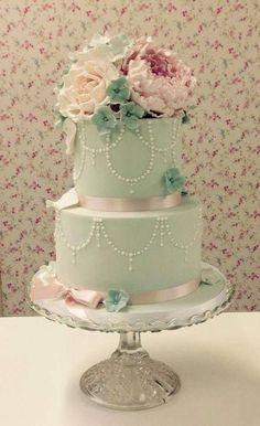 mint green and gold wedding | 24 Gentle Mint Green Colored Wedding Cakes | Weddingomania - Weddbook