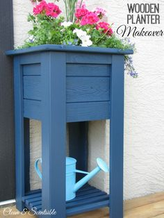 Wooden planter makeover using Behr Weather Proofing Wood Stain and Sealer in Atlantic.