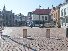 The centre of Vlaardingen. With several pubs and clubs it's a good place to be.