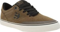 Etnies Brown Marana Vulc Mens Trainers The popular Marana profile is given a streamlined update, as the Vulc arrives from Etnies in a brown, black and off-white colourway. The skate style is constructed of durable suede and canvas, sitting http://www.comparestoreprices.co.uk/january-2017-8/etnies-brown-marana-vulc-mens-trainers.asp