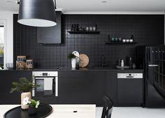 Resultado de imagen para black kitchen