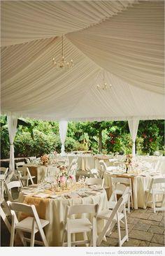 Carpa o entoldado de tela blanca para boda al aire libre