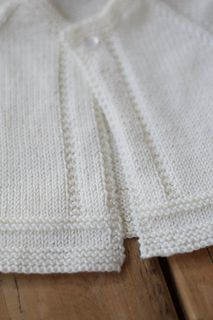 Ravelry: 24 / Baby jacket pattern by Florence Merlin Source by Jacket Easy Baby Knitting Patterns, Baby Cardigan Knitting Pattern Free, Baby Sweater Patterns, Knitted Baby Cardigan, Knit Baby Sweaters, Baby Patterns, Vogue Patterns, Vintage Patterns, Sewing Patterns