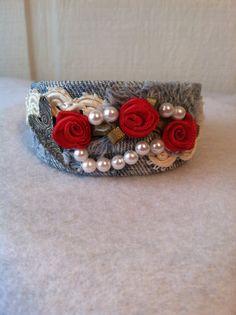 Cuff bracelet Denim lace pearls flowers heart. door Alessante