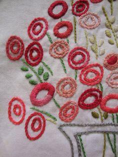 Flores bordadas                                                                                                                                                                                 Más