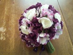 Purple Flower Bouquets   The Beauty and Elegance of White and Purple Wedding Flowers