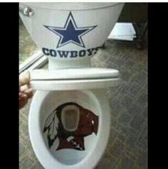 Finally a Proper Cowboys-themed toilet! Dallas Cowboys Vs Redskins, Dallas Cowboys Crafts, Dallas Cowboys Shoes, Dallas Cowboys Funny, Dallas Cowboys Wallpaper, Dallas Cowboys Pictures, Cowboys Memes, Redskins Fans, Football Memes