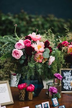 floral centerpiece - photo by Heidi Ryder Photography http://ruffledblog.com/modern-wedding-at-the-fig-house-in-la