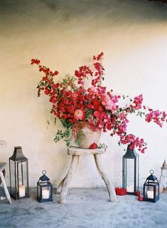 bougainvillea + roses // Once Wed - red flowers, red floral arrangement, ranch wedding decor, red wedding decor Deco Floral, Arte Floral, Floral Design, Ikebana, My Flower, Beautiful Flowers, Red Flowers, Lilies Flowers, Cactus Flower
