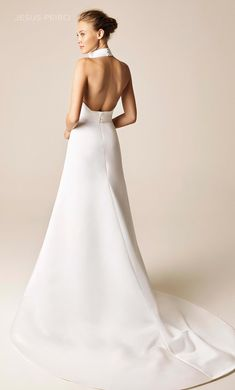 Wedding dress style 952 by Jesus Peiro is a Pencil dress in satin, with a halter neckline, a sash and a great floral application with a bow. Jesus Peiro, Wedding Dress Styles, Bridal Dresses, Bridesmaid Dresses, Weeding Dress, White Gowns, Pencil Dress, Wedding Story, Bridal Boutique