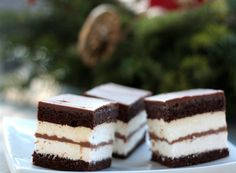 kinder1 Tasty, Yummy Food, Tiramisu, Brownies, Cheesecake, Food And Drink, Favorite Recipes, Sweets, Ethnic Recipes